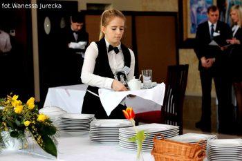 Klaudia Jencz, uczennica Zespołu Szkół Ponadgimnazjalnych nr 2 w Rydułtowach - I miejsce wśród kelenrów-doradców kulinarnych (4)