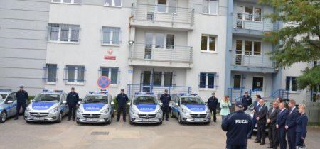 Przekazanie nowych samochodów Komendzie Policji w Wodzisławiu Śl.