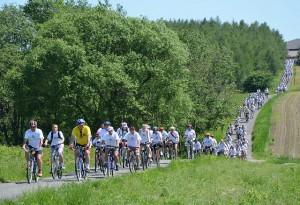 Uczestnicy imprezy rowerowej