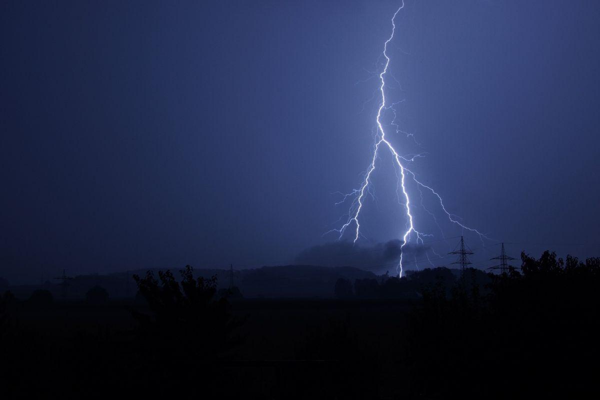 piorun, burza, obrazek