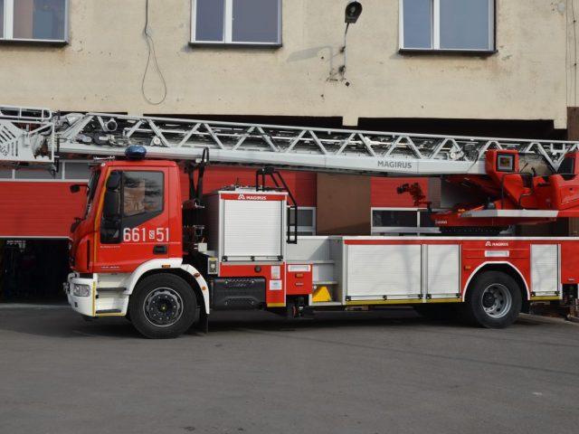 Nowy wóz specjalistyczny dla strażaków zdjęcie poglądowe