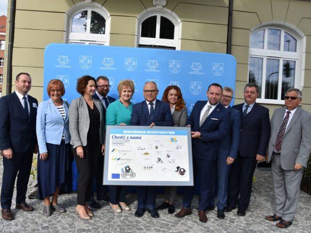 podpisanie deklaracji uczestnictwa w Europejskim Tygodniu Zrównoważonego Transportu