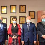 Od lewej starosta Leszek Bizoń, senator Ewa Gawęda, dyrektor szpitala Krzysztof Kowalik, wiceprezes JSW Artur Dyczko