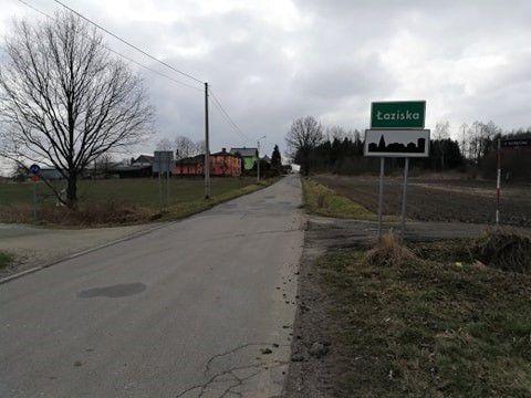 Ulica Dworcowa w Łaziskach przed remontem