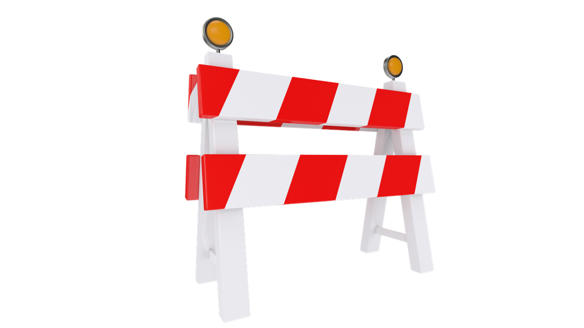 barierka, zamknięcie drogi, przeszkoda, remont drogi