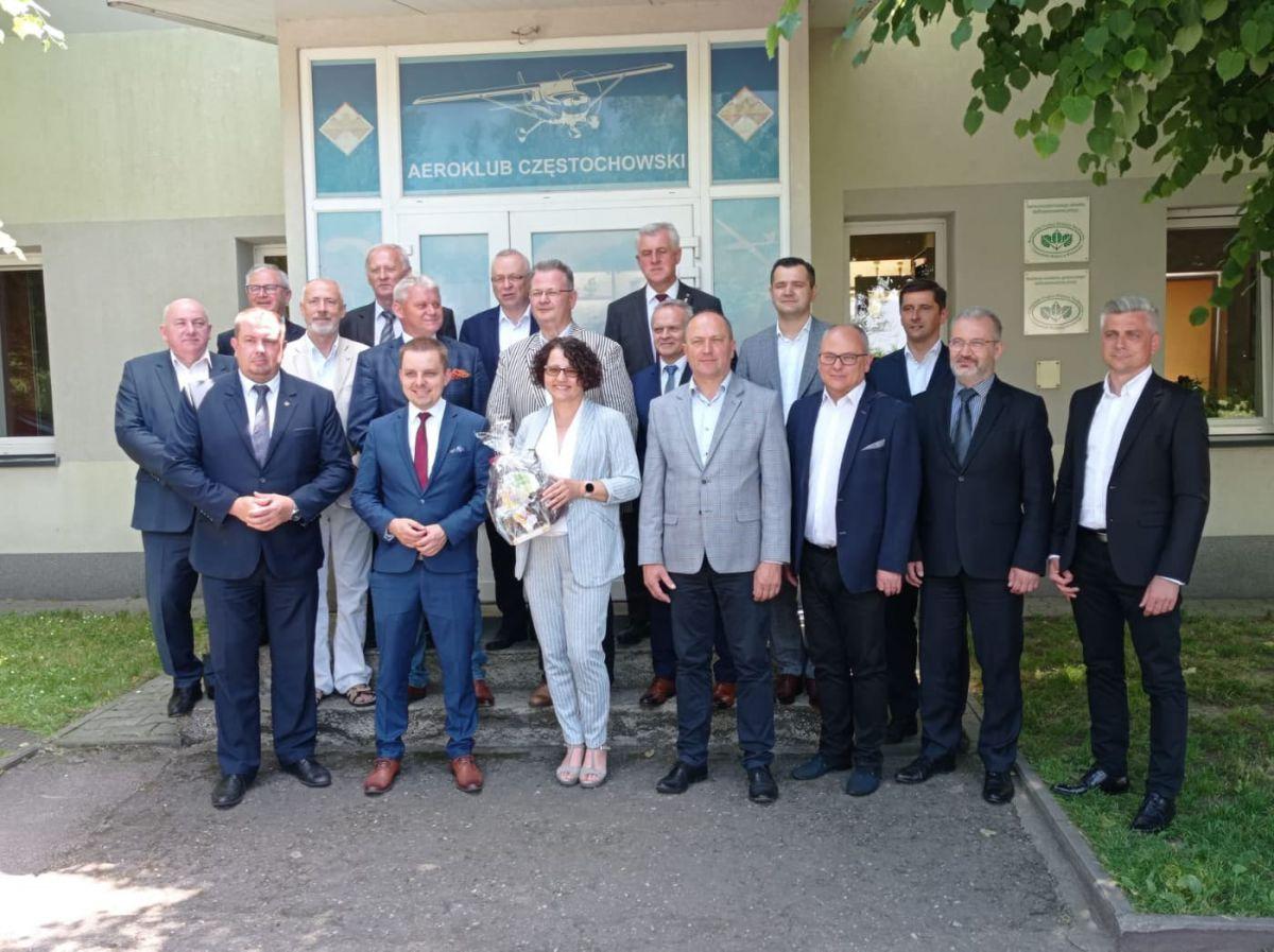 Zdjęcie grupowe Konwntu Starostów Województwa Śląskiego