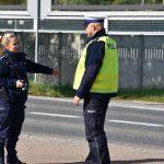 akcja Road Safety Days w Wodzisławiu Śl. 21 wrzesnia 2021 na zdjęciu dwoje policjantów