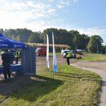 akcja Road Safety Days w Wodzisławiu Śl. 21 wrzesnia 2021, na zdjęciu stoisko przy drodze, zdjęcie sytuacyjne