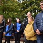 Festyn Barwy Jesieni w Oazie Aktywności w Wodzisławiu Śl. Fotorelacja z imprezy 12.10.2021 r. Na zdjęciu uczestnicy festynu