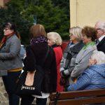 Festyn Barwy Jesieni w Oazie Aktywności w Wodzisławiu Śl. Fotorelacja z imprezy 12.10.2021 r. Na zdjęciu uczestnicy imprezy